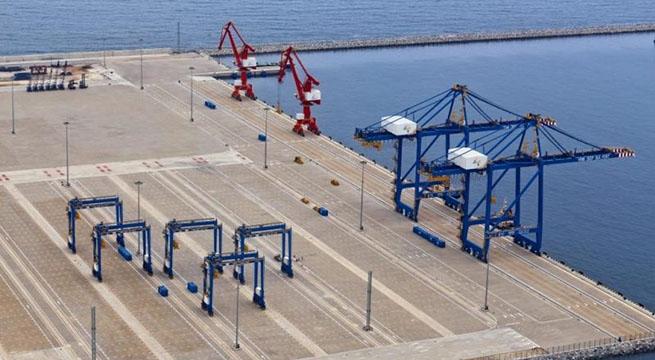 На контейнерный терминал порта Криби, Камерун, впервые прибыл контейнеровоз  «CMA CGM BIANCA»